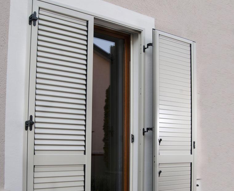 Persiane di alluminio 28 images persiane in alluminio for Preventivo infissi in alluminio